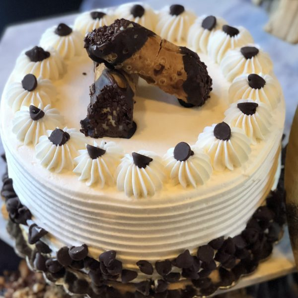 CAKE & PIE-cannoli cake