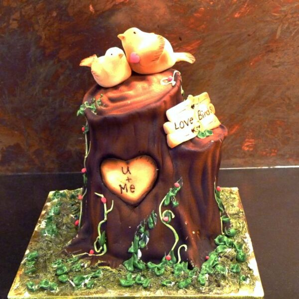 LOVE BIRDS TREE STUMP